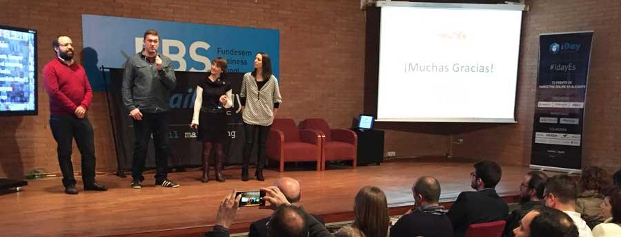 Ponentes y público en el iDay Alicante del 15 de enero de 2016