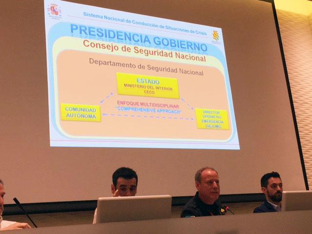 Aurelio Soto, en el centro, durante su intervención en las II Jornadas de Comunicación de Emergencias en Redes Sociales en la Región de Murcia