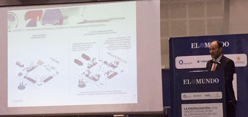 José Luis Checa habla sobre digitalización en el foro organizado por el diario El Mundo en Elche
