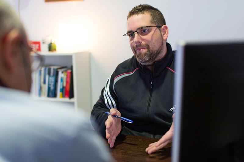 Isidro Perez, de Avanza Soluciones, habla sobre comercio electrónico, e-commerce y tiendas online durante una entrevista