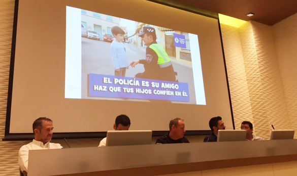 José Martínez presenta su ponencia en las II Jornadas de Comunicación de Emergencias en Redes Sociales en la Región de Murcia